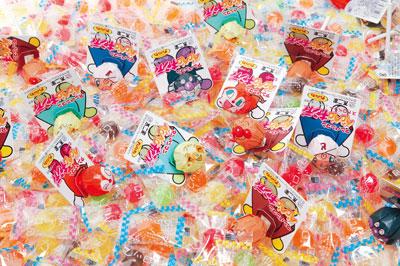 粗品・景品・ノベルティ・記念品の粗品屋本舗 アンパンマンペロペロキャンディすくいどり約100人用内容